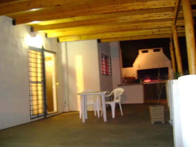 Patio terraza con galeria y asador alediebar 39 s blog for Asador de ladrillo para jardin